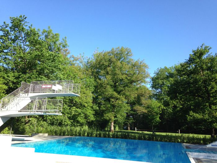 Sprungturm Schwimmbad Muensingen